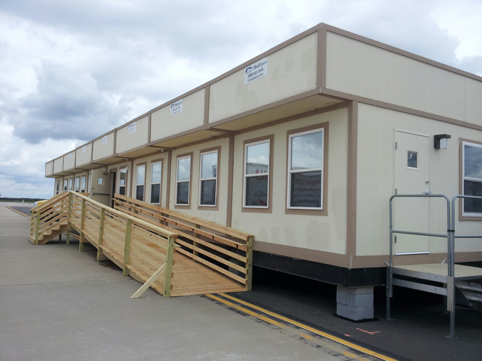 Temporary Construction Office : Temporary modular building welcomes foreign dignitaries at